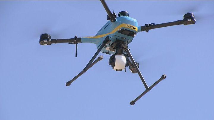 Más vigilancia en las carreteras con los 21 drones de la DGT esta Operación Salida