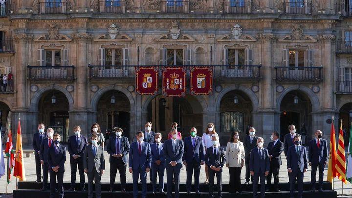 Foto de familia para dar comienzo en Salamanca a la XXIV Conferencia de Presidentes