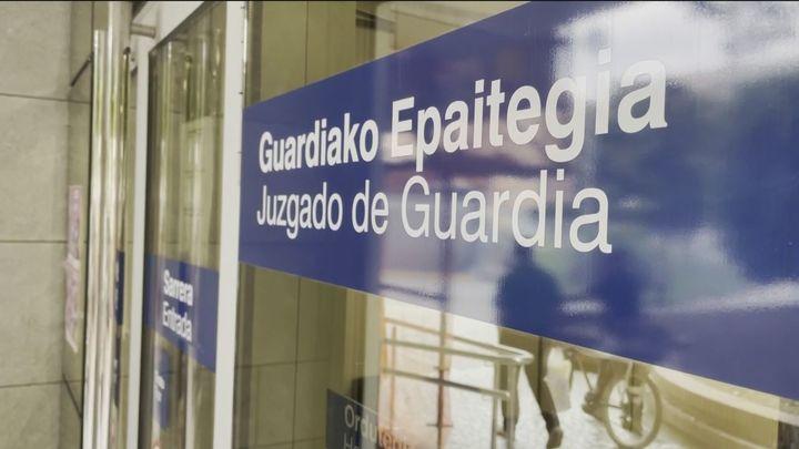A prisión dos de los adultos detenidos por la paliza a un joven de Amorebieta (Vizcaya)