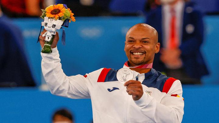 Ray Zapata, medalla de plata en suelo con sabor a oro