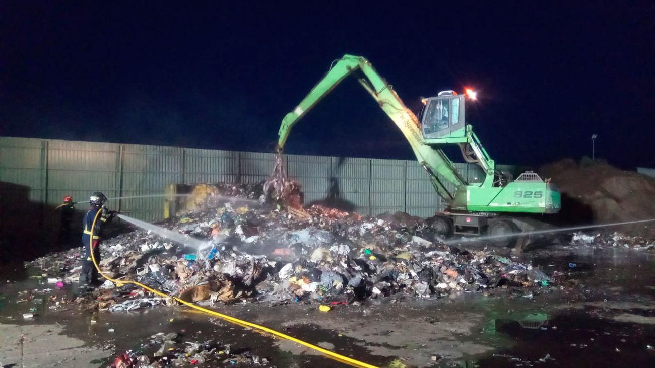 Incendio en un planta de reciclaje en Arganda del Rey