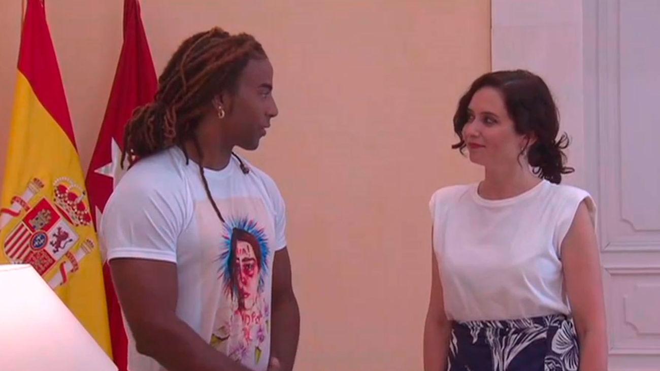 """Ayuso reclama, junto al cantante cubano  Yotuel, """"libertad"""" para Cuba"""