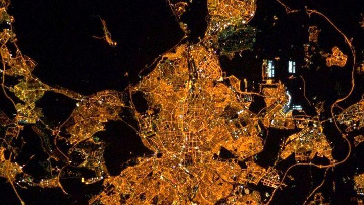 Iluminar Madrid por la noche, con equilibrio y armonía