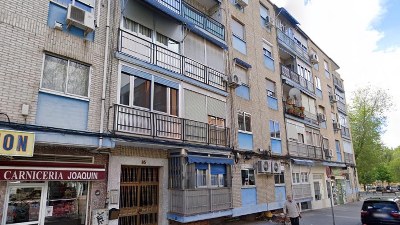 Edificio de la calle Sáhara 85, en Villaverde, donde se ha producido el suceso