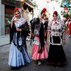 Fiestas de San Cayetano, San Lorenzo y la Paloma: unos las reciben con alegría; otros no tanto