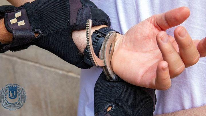Detenido un hombre por intentar estrangular a su pareja en el centro de Madrid