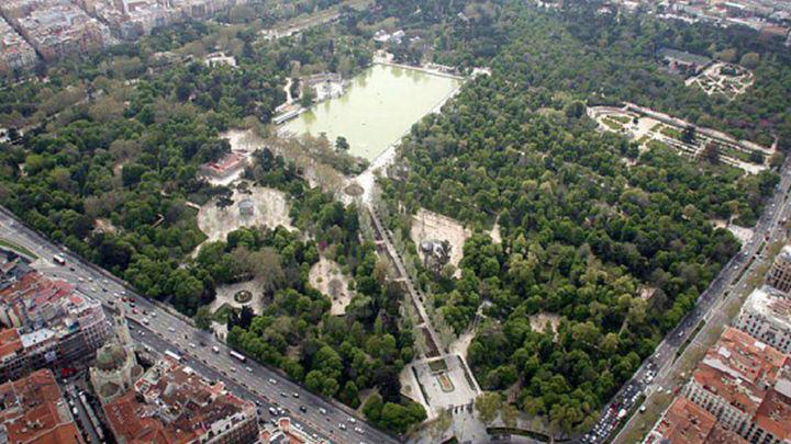 Balizados los grandes parques de Madrid hasta el jueves por la noche por el intenso calor