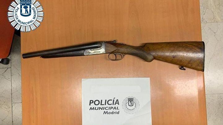 Detenido en Carabachel con una escopeta de caza en el maletero de su coche