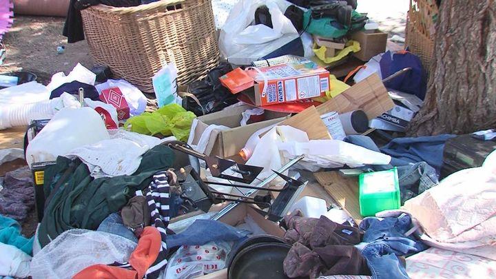 Los vecinos de La Ventilla conviven con una persona que acumula basura