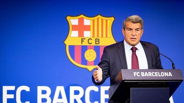"""Laporta explica porque no sigue Messi: """"Hubiera puesto en riesgo al club"""""""