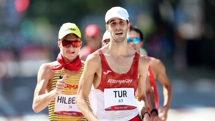 Marc Tur y María Pérez, cuartos en 50 y 20 km marcha
