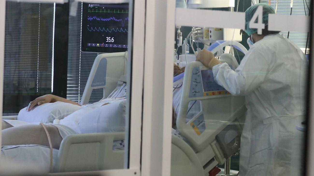 La incidencia por Covid sigue bajando en España y se sitúa en 591 pero se mantiene la presión hospitalaria