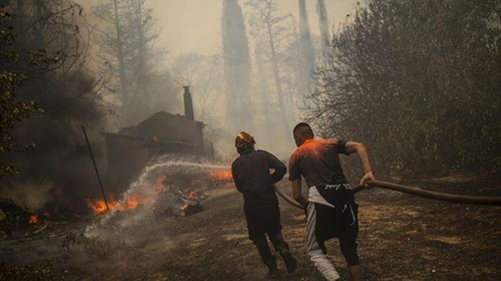 Los incendios de Grecia y Turquía avanzan avivados por el viento y las altas temperaturas