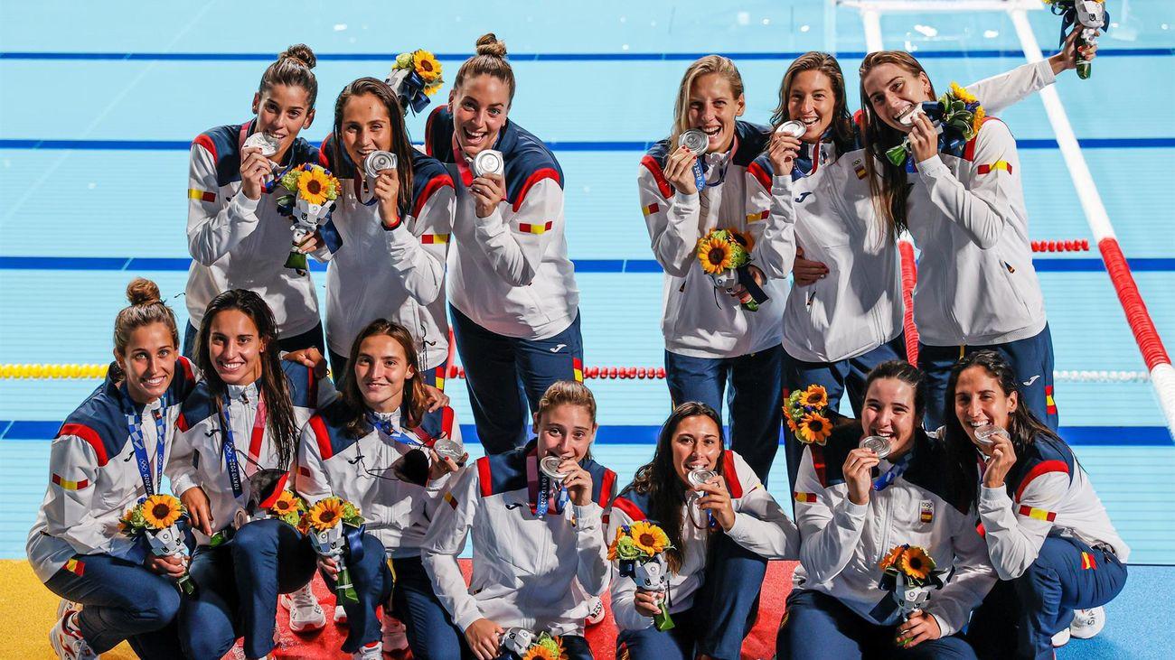 5-14. Plata para el waterpolo femenino que cae en la final frente a EEUU