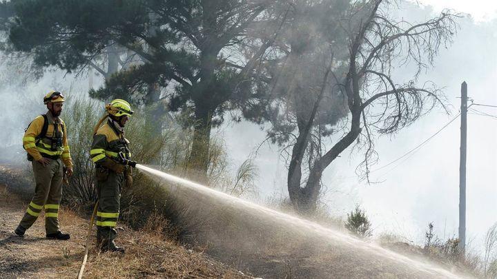 La Junta mantiene en nivel 2 el fuego de El Tiemblo (Ávila) con varios puntos calientes y reproducciones