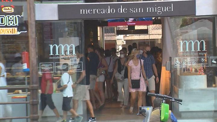 El turismo regresa a Madrid en agosto y reactiva la actividad comercial