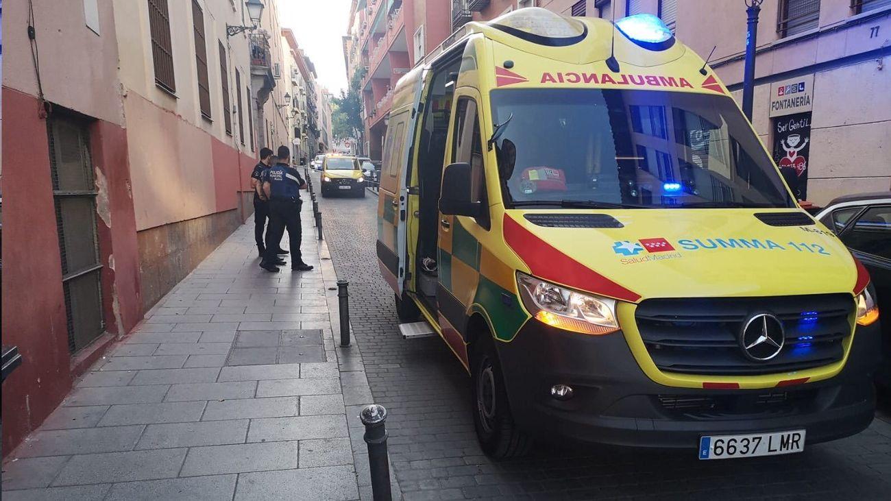 Herido en Lavapiés un hombre de 22 años con arma blanca y una mujer de 23 años con traumatismos