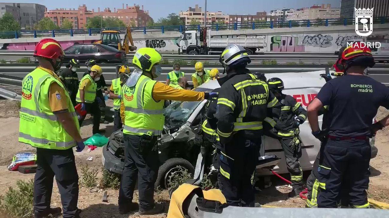 Accidente de una furgoneta en la M-45, con un herido grave
