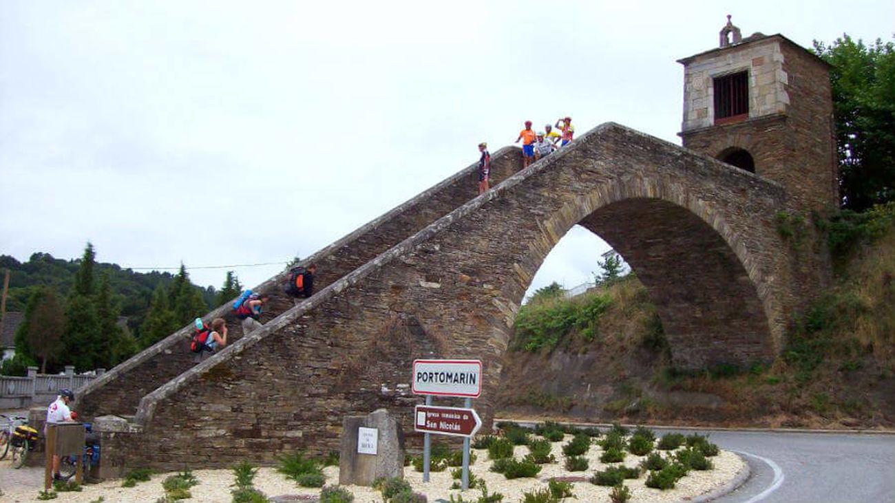 52 peregrinos de Alcalá abandonan el Camino de Santiago por dos positivos de Covid