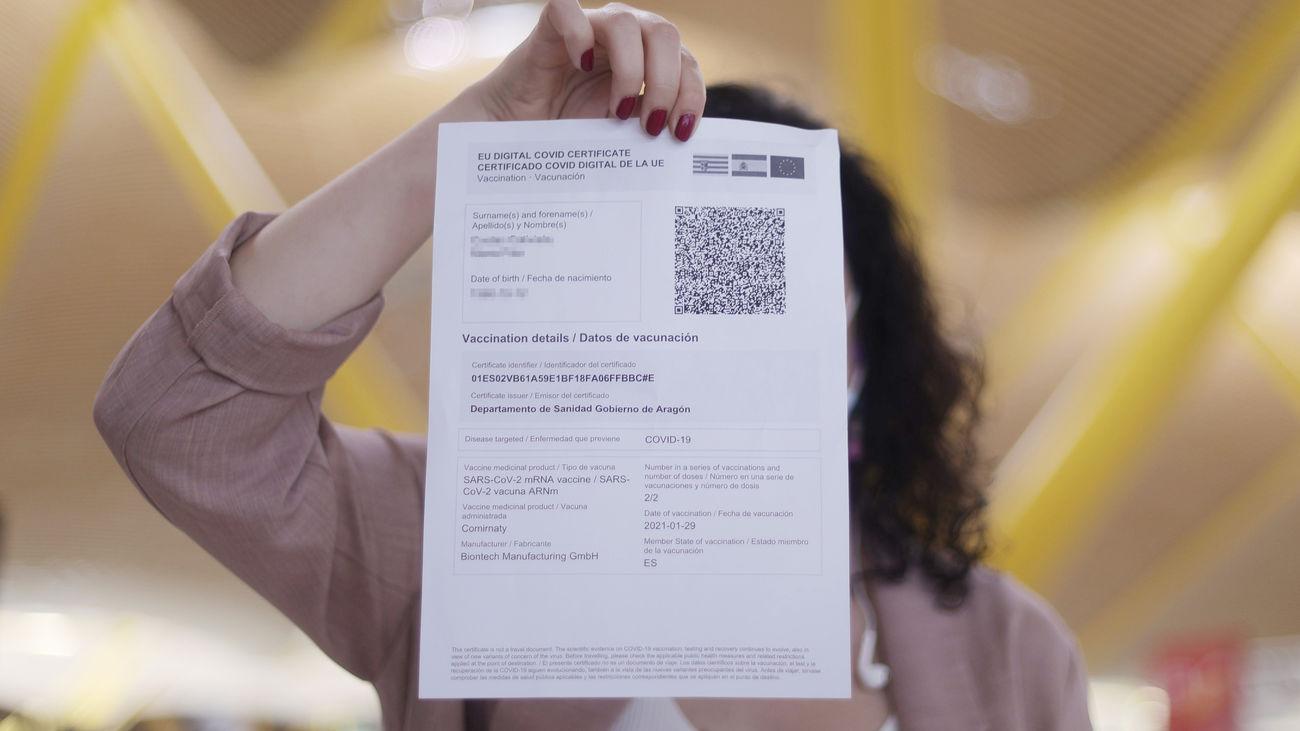 Madrid no rechaza usar el pasaporte Covid a partir de otoño