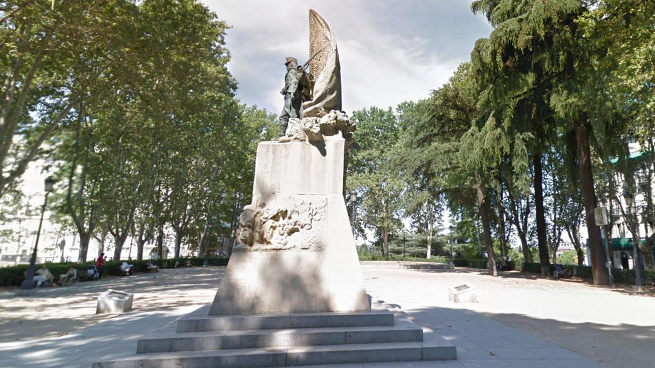 La estatua del Cabo Noval, en Madrid,  será restaurada y protegida con una valla