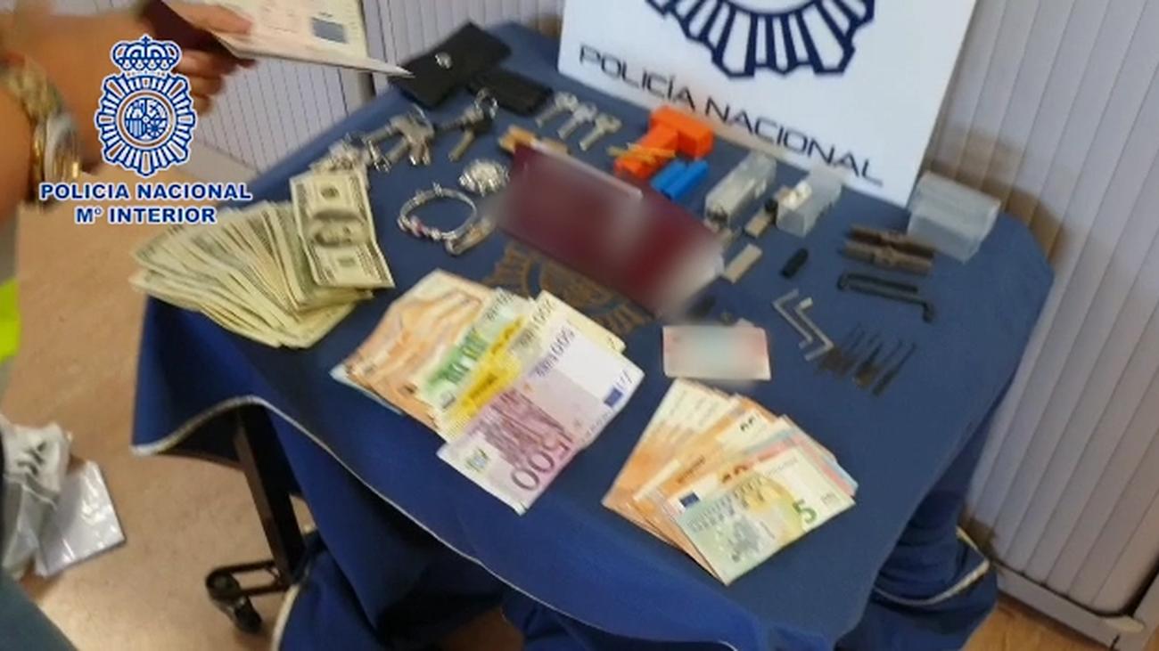 Cae una red de ladrones de viviendas en Madrid especializados en bumping e impresioning