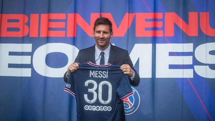 Messi, de las lágrimas en su adiós al Barça a la felicidad en el PSG en apenas unos días