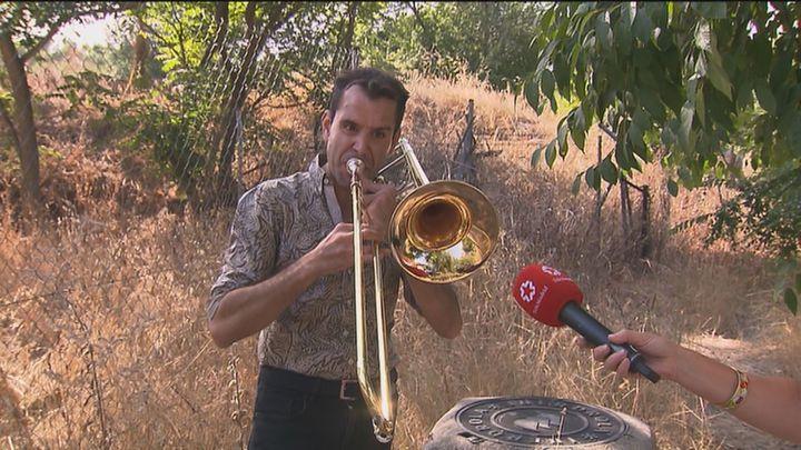 El misterio del músico que ensaya con su trombón junto a la M-30