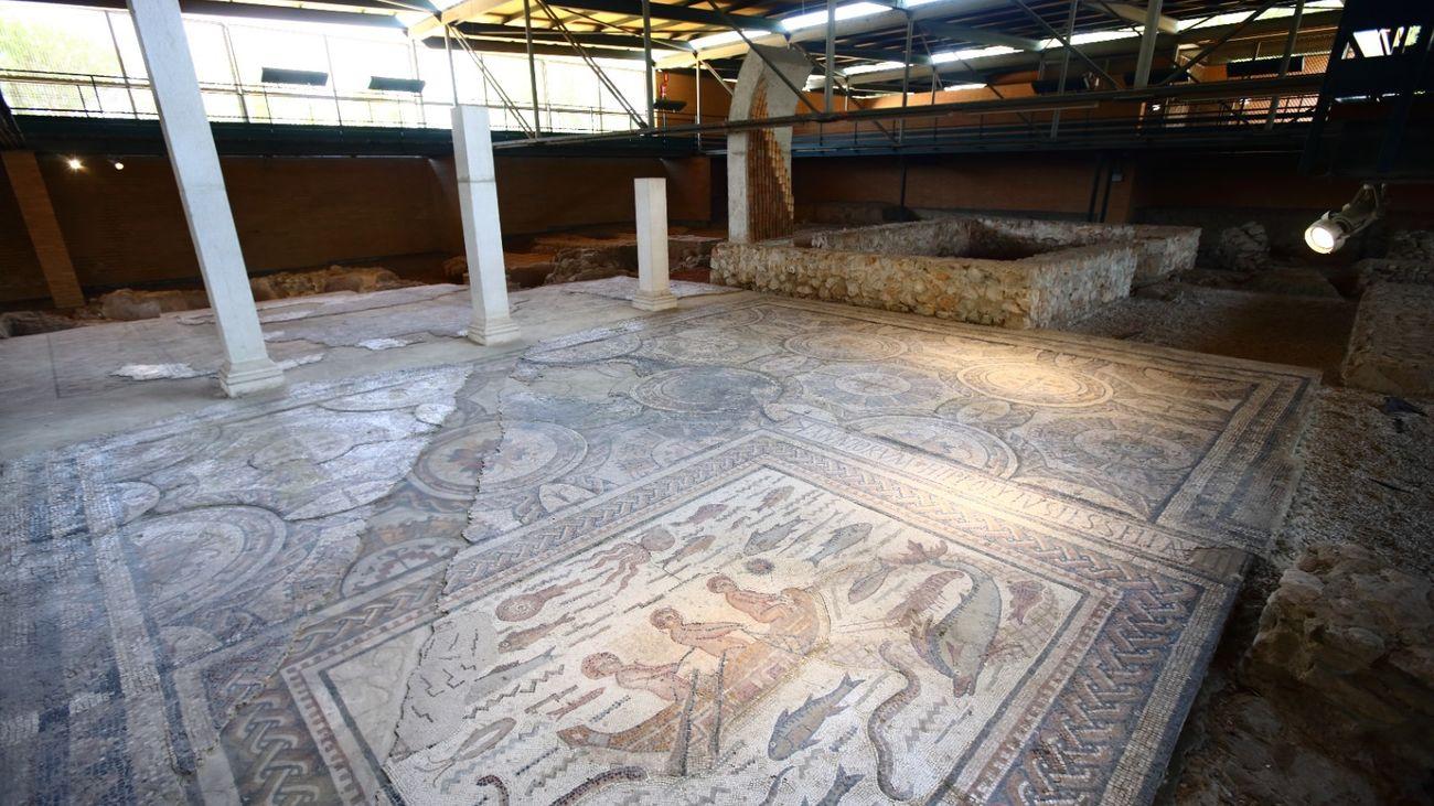 Vuelven las visitas nocturnas guiadas al patrimonio complutense en Alcalá
