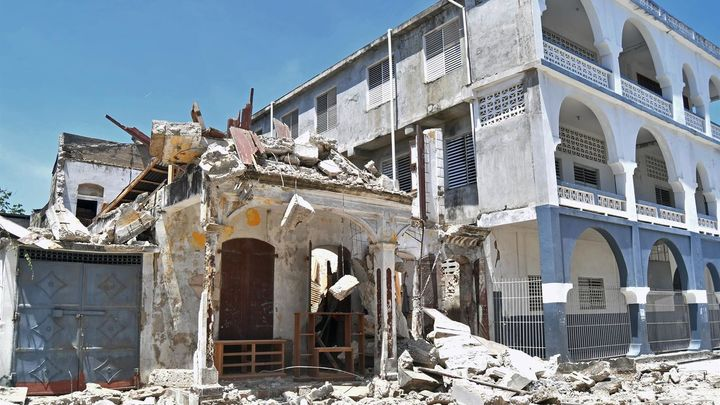 Un potente sismo deja más de 300 muertos en Haití