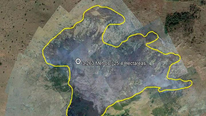 Controlado el incendio en Santa María de la Alameda, que ha quemado 25 hectáreas