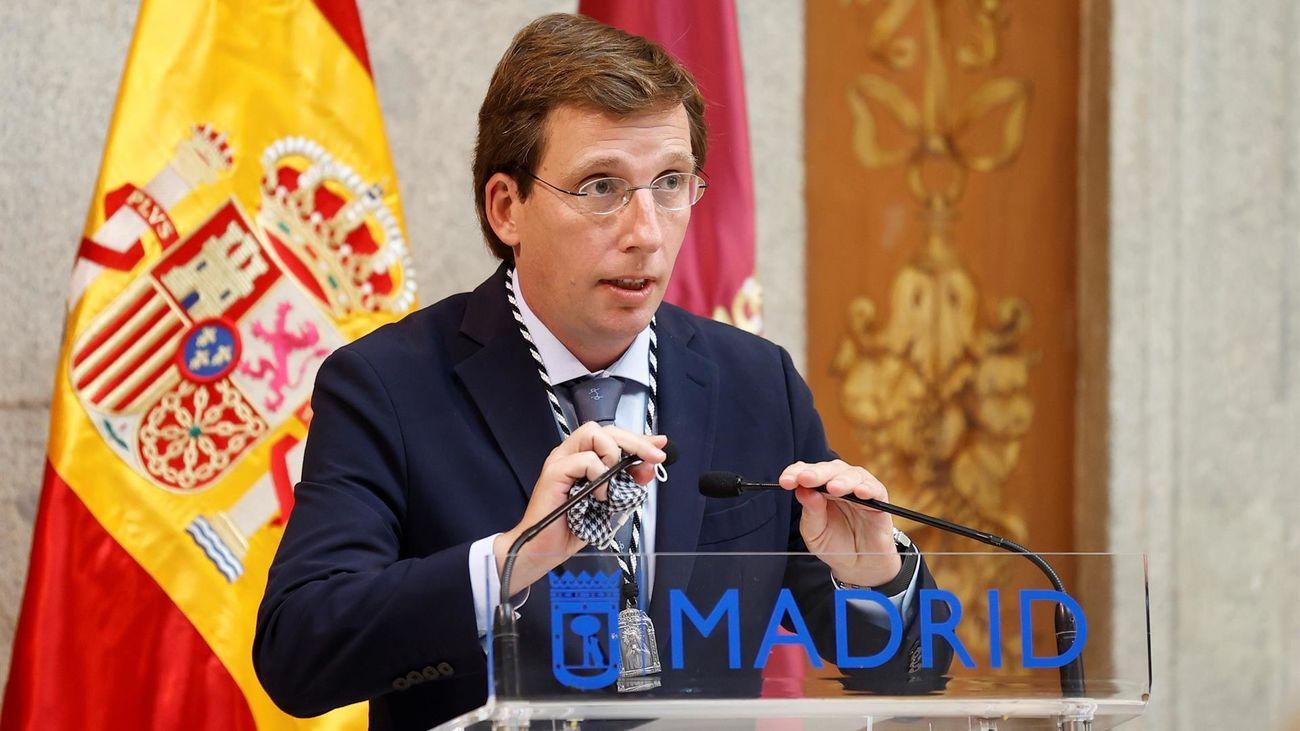 Almeida recuerda en La Paloma a las víctimas de la explosión de la calle Toledo