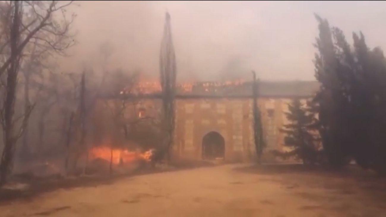 Estabilizado y perimetrado el incendio de Batres con decenas de vecinos desalojados