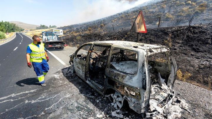 El incendio de Navalacruz (Ávila) ya ha arrasado 10.000 hectáreas
