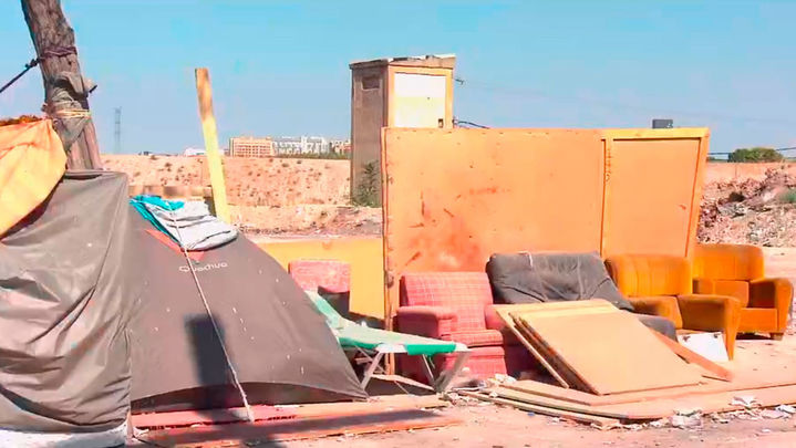 Más de un millar de familias siguen sin luz en la Cañada Real