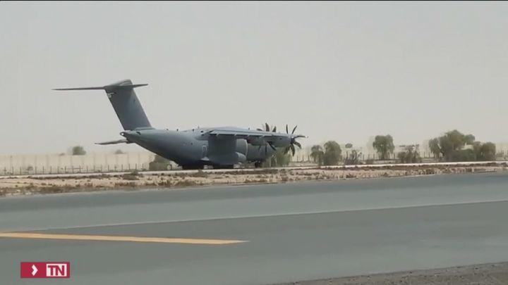 El primer avión español con repatriados desde Kabul ya vuela hacia Dubai