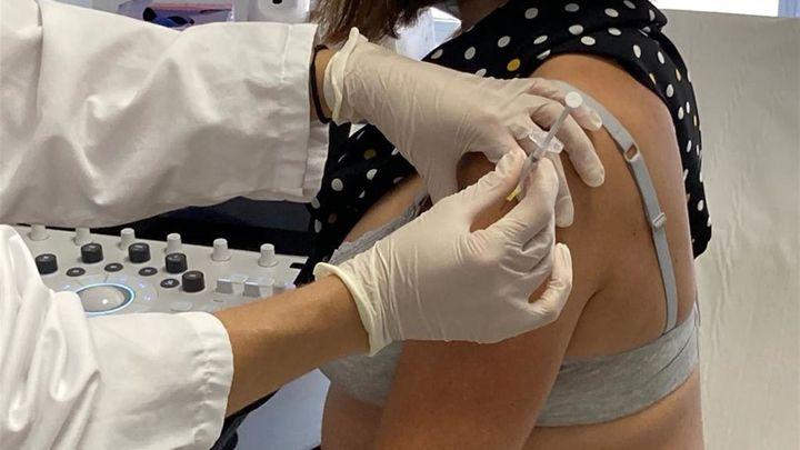 Un estudio estadounidense confirma que la vacuna Covid no es dañina para las embarazadas