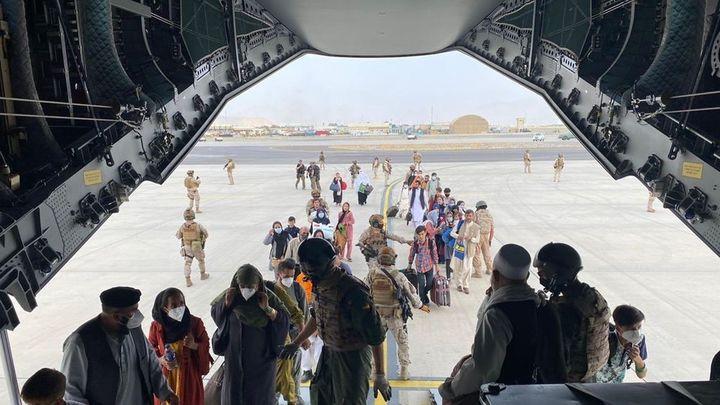 Caos, represión y evacuaciones al límite en Afganistán