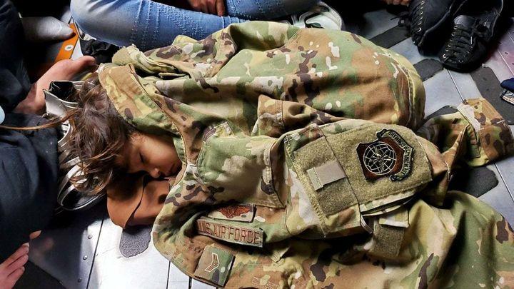 Situaciones dramáticas en el aeropuerto de Kabul ante la presión cada vez mayor de los talibanes