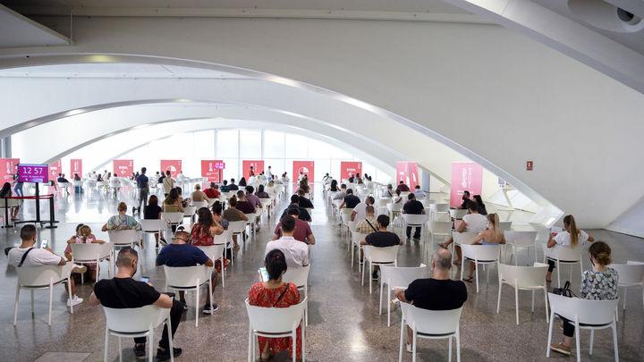 La incidencia Covid en España baja hasta 360, pero el número de fallecidos sigue siendo elevado