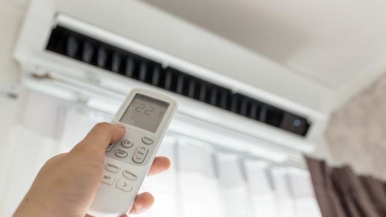 El precio de la luz baja este sábado un 6%, hasta los 110,14 euros/MWh