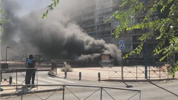 Aparatoso incendio en un parking subterráneo de Leganés