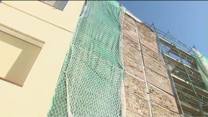 Se retoman las obras de rehabilitación en el edificio derrumbado parcialmente en Chamberí