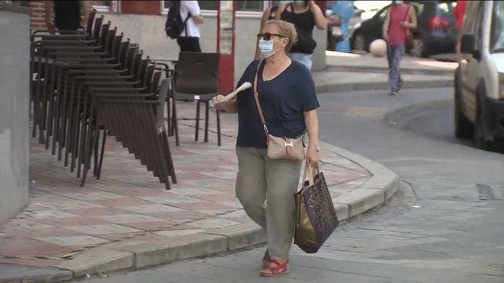 La incidencia acumulada en Madrid cae un 50% en un mes