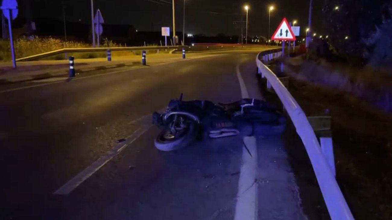 Amputan la pierna a un joven tras un accidente de moto en Colmenar Viejo