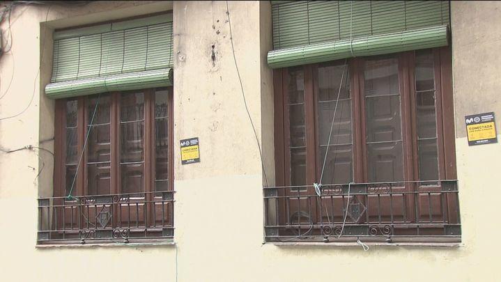 Detenido por entrar escalando en casa de su expareja en Latina