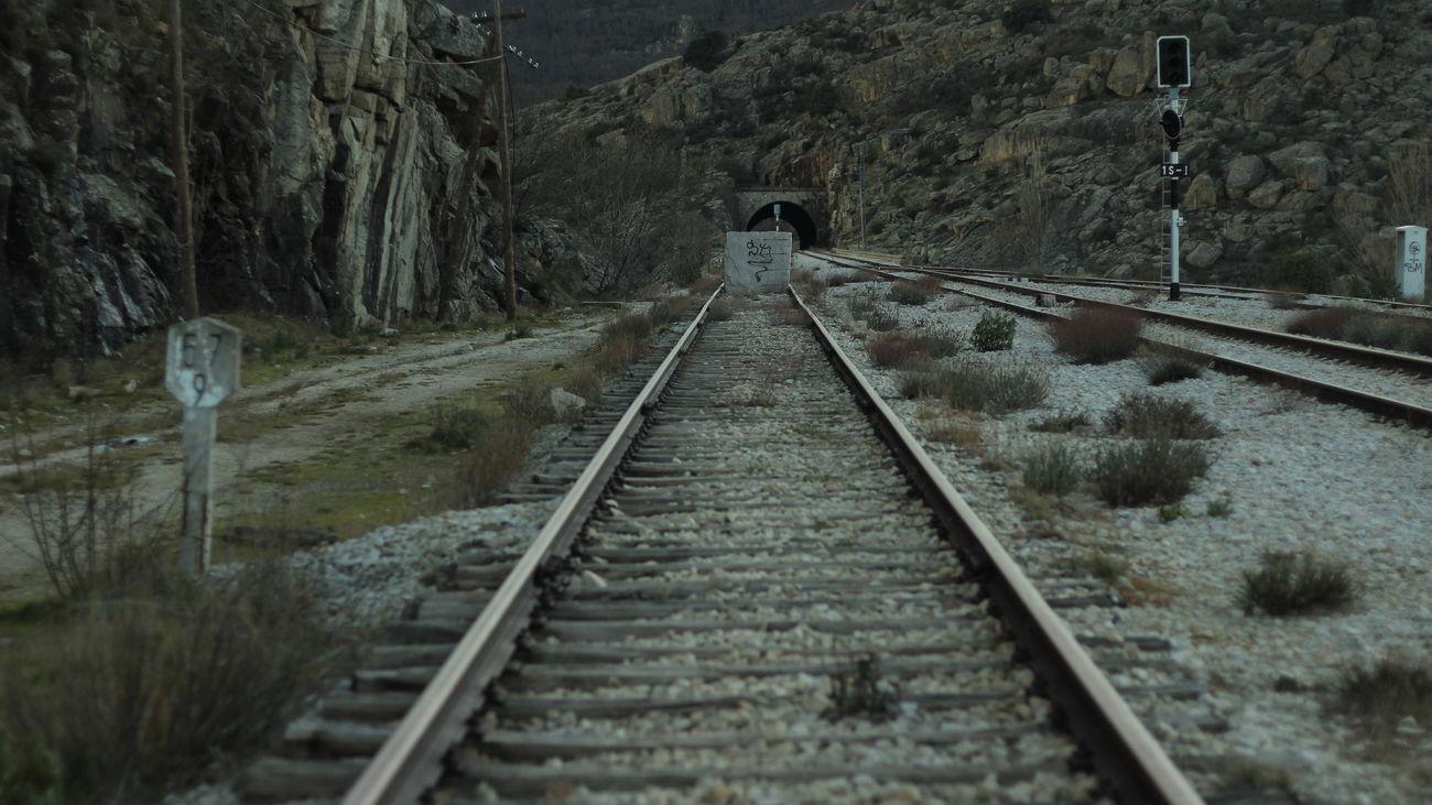 El tren a ninguna parte, la línea 102 y otras historias de trenes fantasma en Madrid