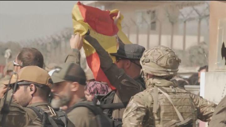 El Ejército español sale del aeropuerto de Kabul para acelerar la evacuación de afganos