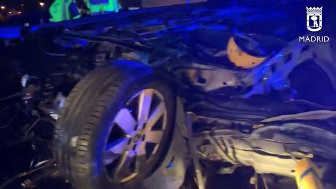 Muere en la M-21 un joven de 19 años tras impactar el coche en el que viajaba con un camión de mantenimiento