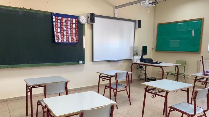 Madrid pide incluir la vacunación para medir el riesgo Covid en los colegios